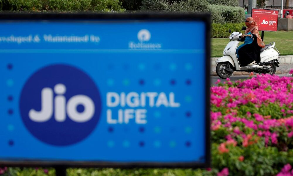 India's Reliance Jio to roll out 100 million low-cost phones by December: Business Standard – Reuters